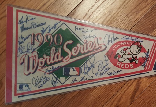 1990 World Series pennant - cropped