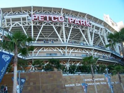 Entrance Petco 72904