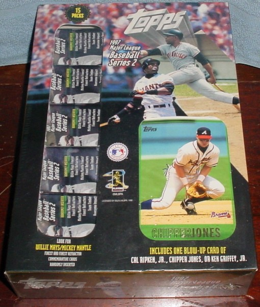 1997 Topps Wal-Mart box Chipper