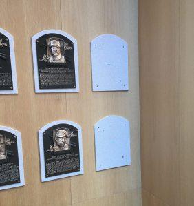 Empty plaque