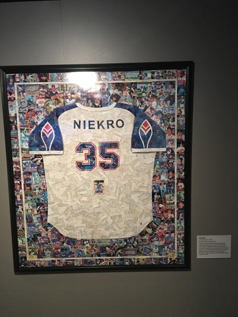 HOF - Niekro bb card jersey
